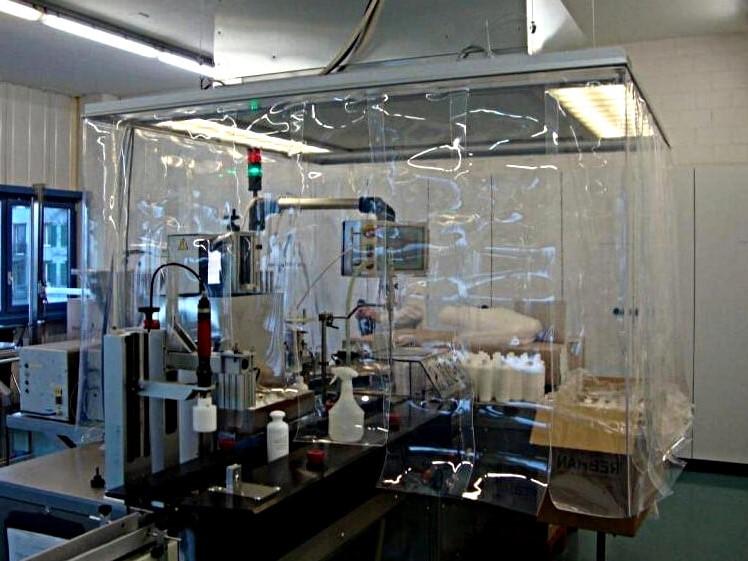 Kurtyna przemysłowa nad wyciągiem labolatoryjnym