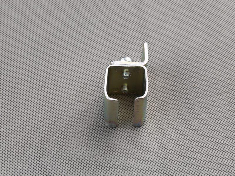 uchwyt-scienny–do-mocowania-szyny-25x25mm