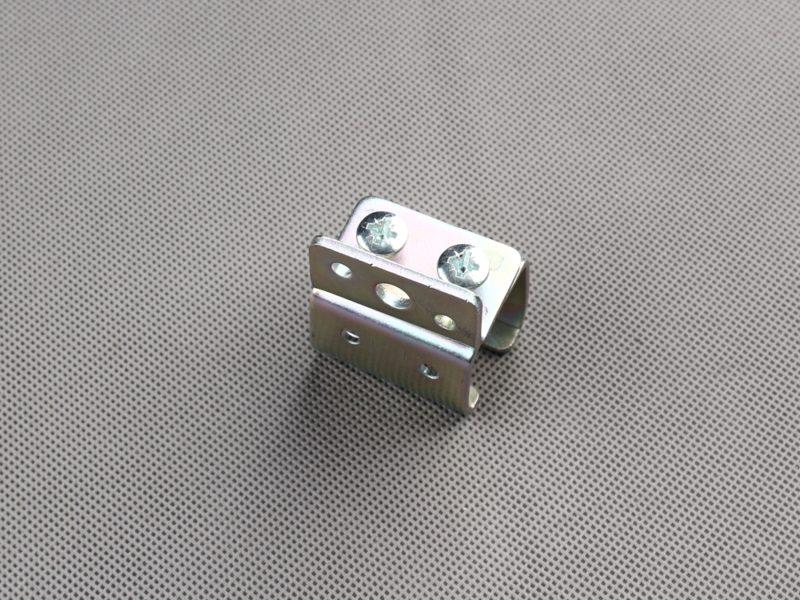uchwyt-scienny-do-szyny-25x25mm