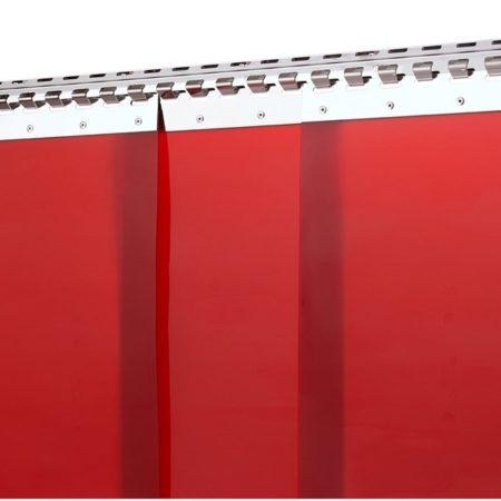 Kurtyna spawalnicza z pasów PCV w kolorze czerwonym