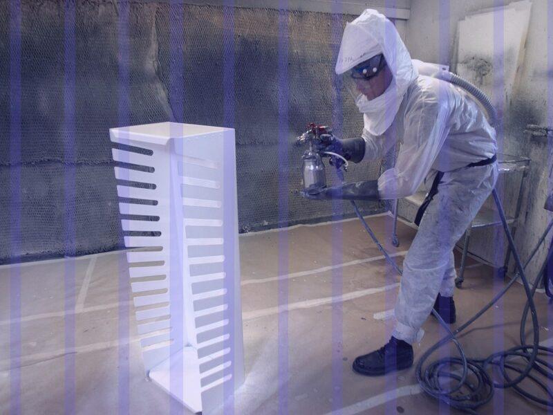 Kurtyny antystatyczne w malarni proszkowej ograniczają rozprzestrzenianie się pyłu